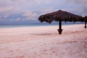 розовый пляж Барбуда